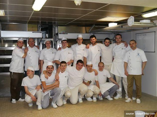 Bryan et ses collègues de la promo 2011